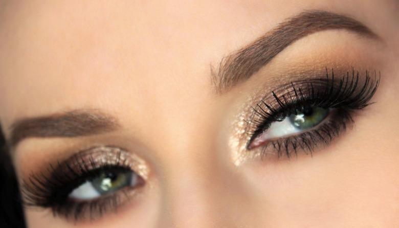 Czarny smoky eyes - piękny