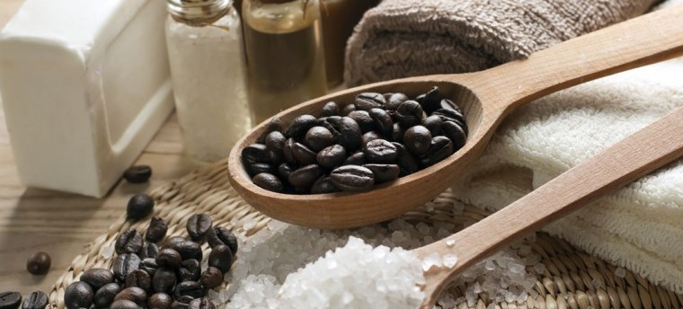 kawowy-peeling-antycelulitowy-i-ujędrniający