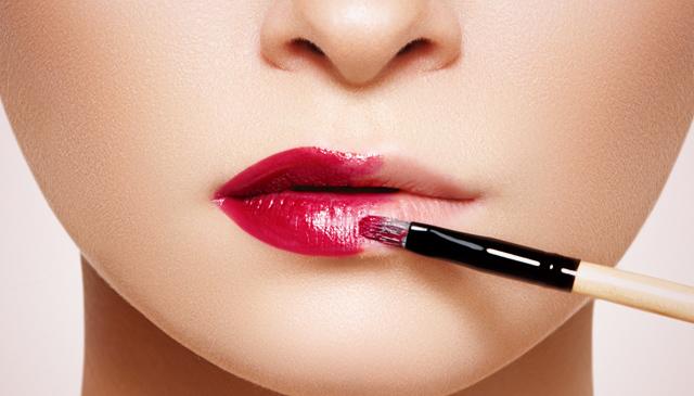 korygujacy makijaż ust